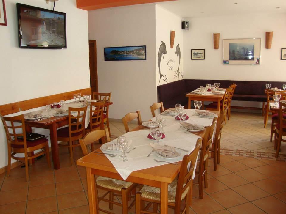 Rab Restaurant Cafe